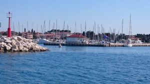 Haven--en-politiekantoor-in-Umag