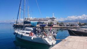 Haven-Supetar-met-veerboot-Lisa